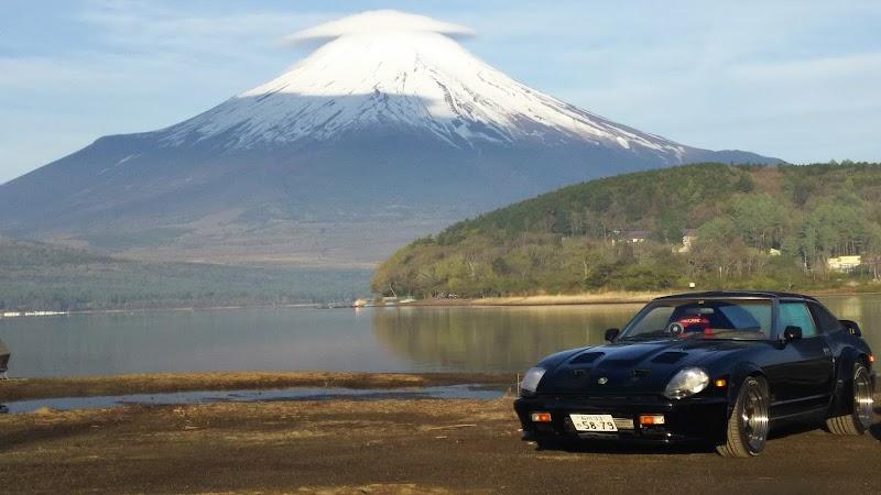 平野湖畔 (逆さ富士)