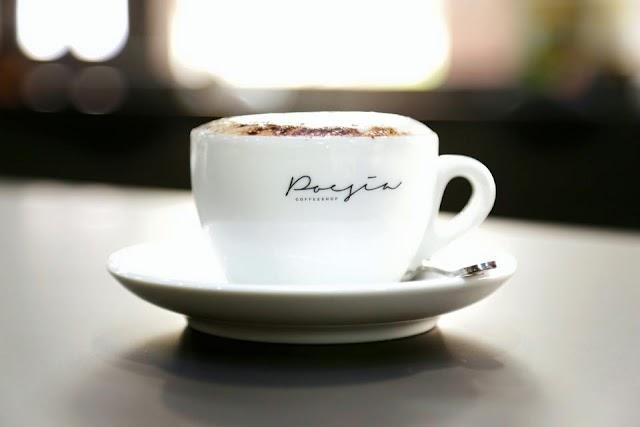 Poesia Café
