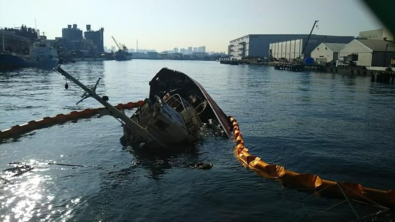 日本埠頭倉庫