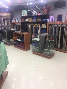 Uniworth Dress Co. (Shirt and Tie Shop)