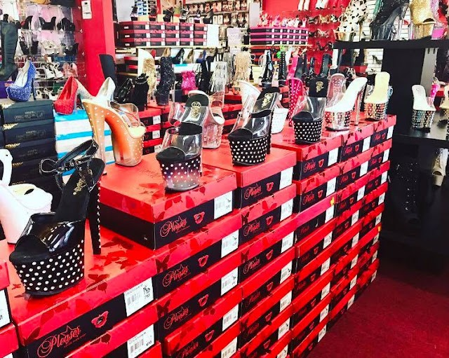 Red Shoes - Exotic Shoes and Wear