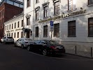 Евро-Клиник, улица Льва Толстого, дом 19 на фото Москвы