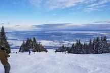 Le Massif de Charlevoix, Petite-Riviere-Saint-Francois, Canada
