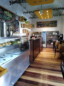 Prana Vegan - Cafe Restaurant Vegetariano 0
