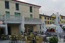 Mercato settimanale di Rivoltella, Rivoltella, Italy