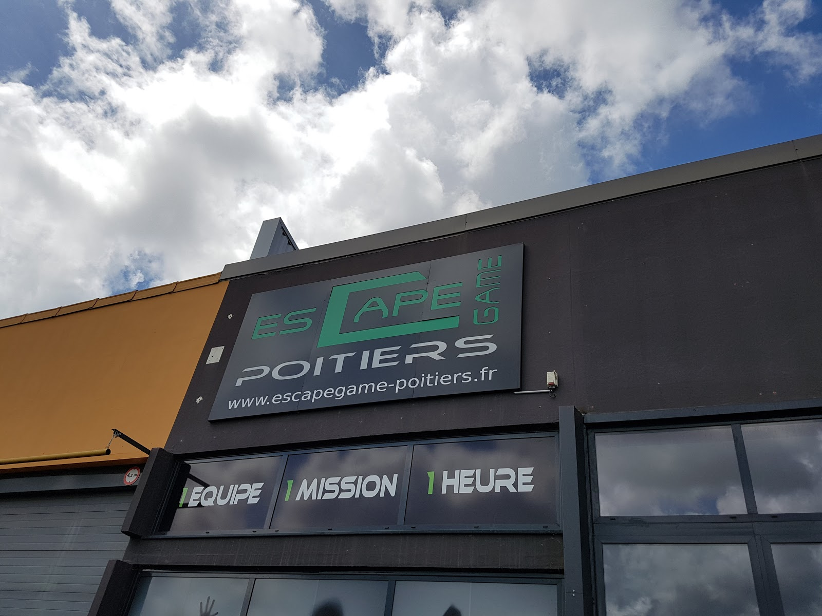 Ambiance Et Style Poitiers visit escape game poitiers on your trip to migne-auxances or