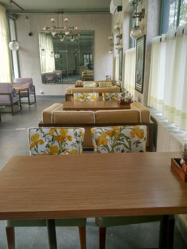 Cafe Inside Stories