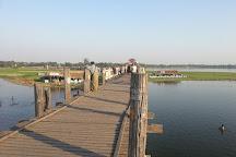 U Bein Bridge, Amarapura, Myanmar