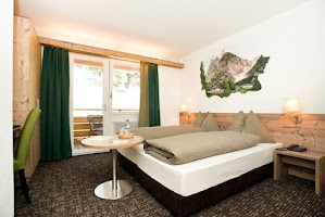 Hotel Cabana Map Grindelwald Switzerland Mapcarta - Hotel alpina grindelwald