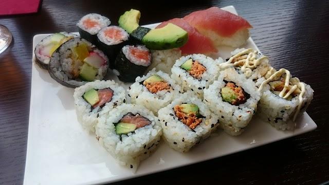YOYO Sushi & Grill