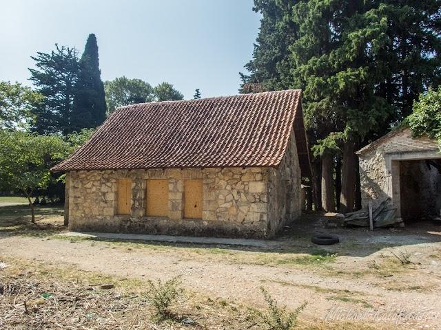 Βουτυροκομείο πρώην βασιλικά κτήματα Τατοίου