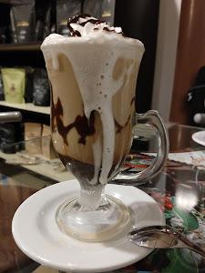 Qallarix Coffee & Market 9