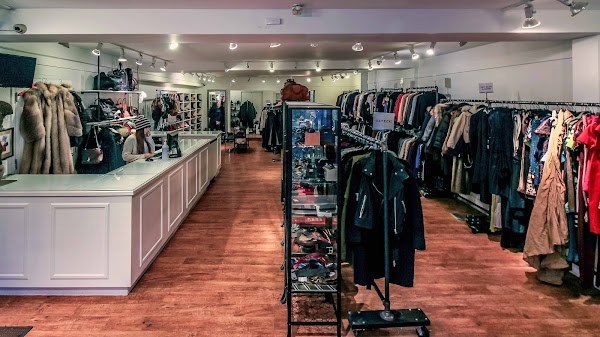 Fashionably Yours Designer Consignment Boutique Toronto Address Phone Opening Hours Reviews