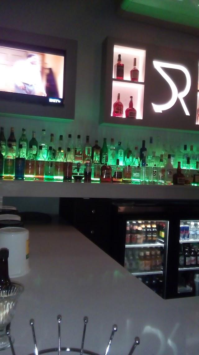 RENO bar And Gaming Lounge