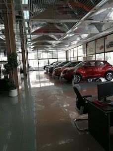 Kia Motors & Hyundai Motors Service Center dubai UAE