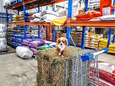 Derks Pet & Rural