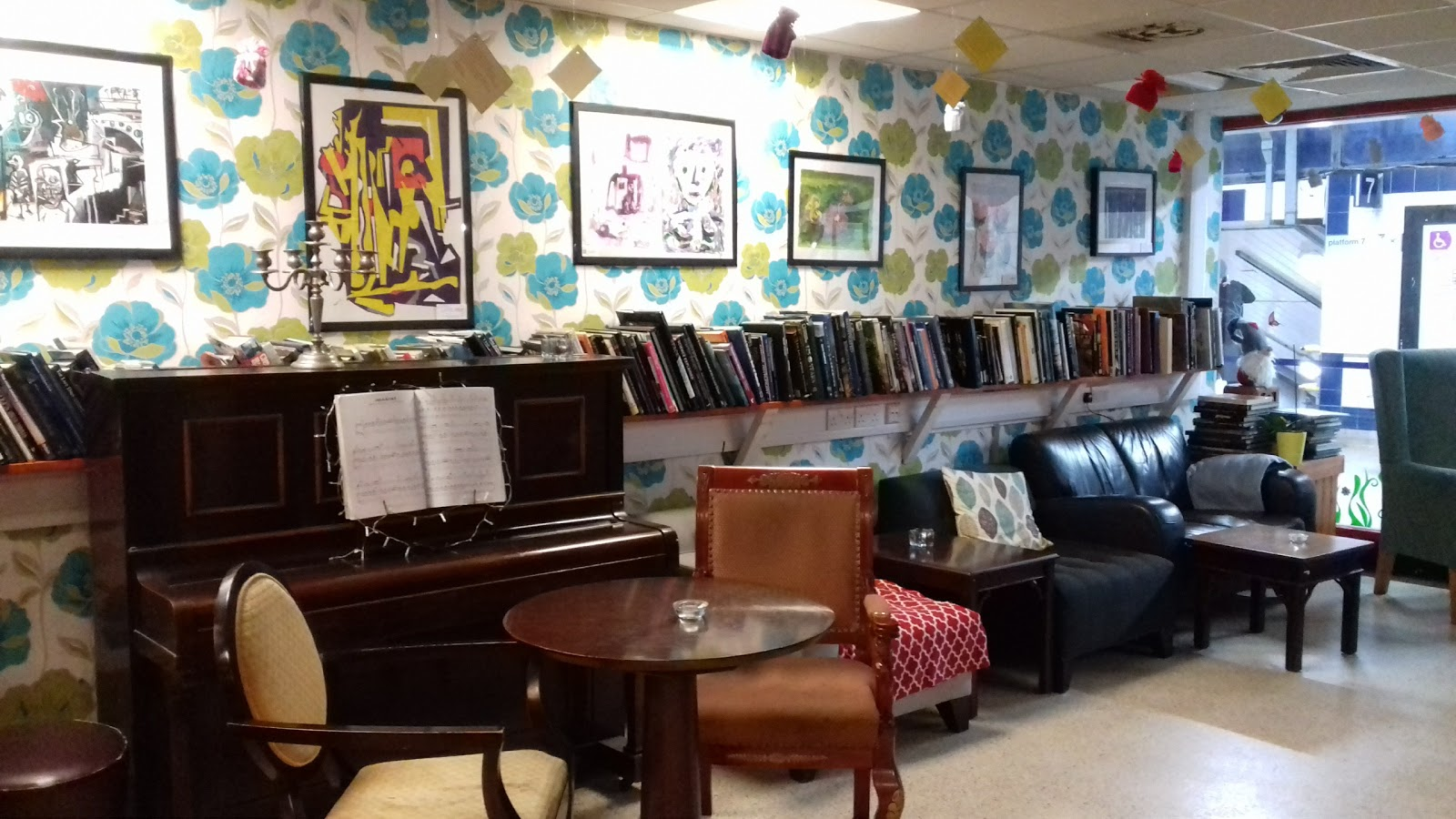 EzO Bistro: A Work-Friendly Place in London