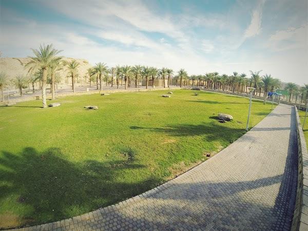 حديقة وادي حنيفة 6199 شارع وادي حنيفة السفارات الرياض 12551 السعودية