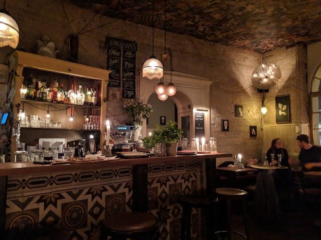 Hugo Ball - Flammerie & Bar