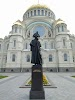 Памятник Адмиралу Федору Ушакову на фото Кронштадта
