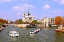 Le pont Mirabeau, Paris, France