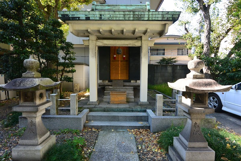 初音森神社 本殿