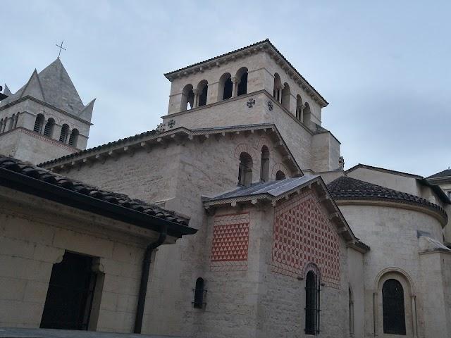 Abbaye de Saint Martin d'Ainay