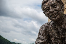 Mr. Rogers' Memorial Statue, Pittsburgh, United States