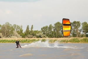 Kiteschule kitesurfing.at
