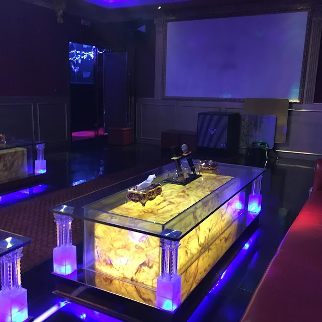 Milan Royal International (Karaoke Cinese)
