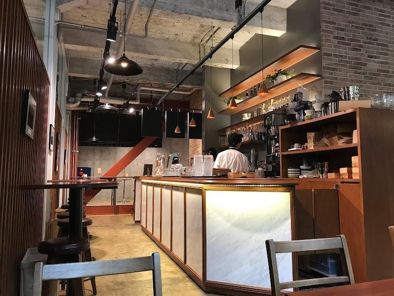 Boulevard Cafe &9