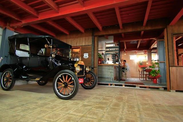 RIDER'S GARAGE CAFE & DINER ライダーズガレージ カフェ&ダイナー