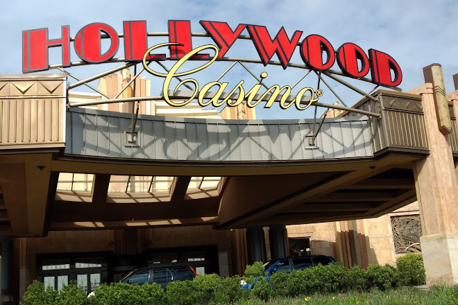 Terrific Visit Hollywood Casino Toledo On Your Trip To Toledo Or Download Free Architecture Designs Itiscsunscenecom