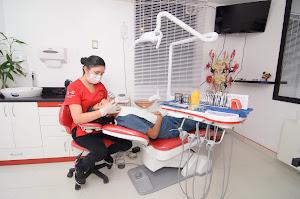 Centro Odontológico Ortiz & Zea 0