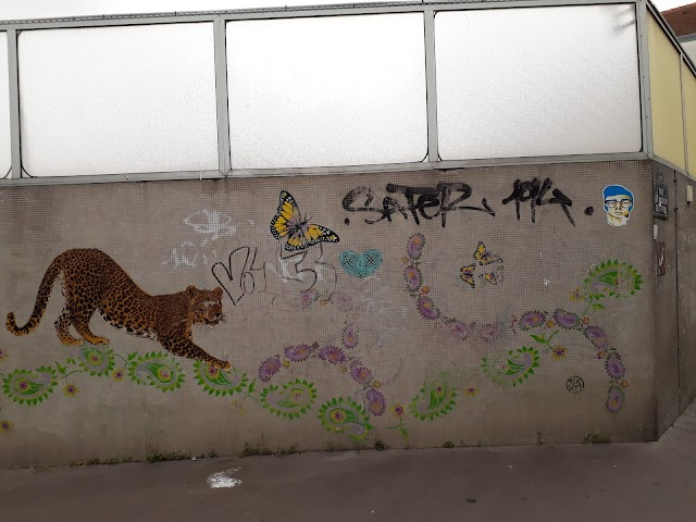 Street Art Mosaïque Fresque Panthère Papillons