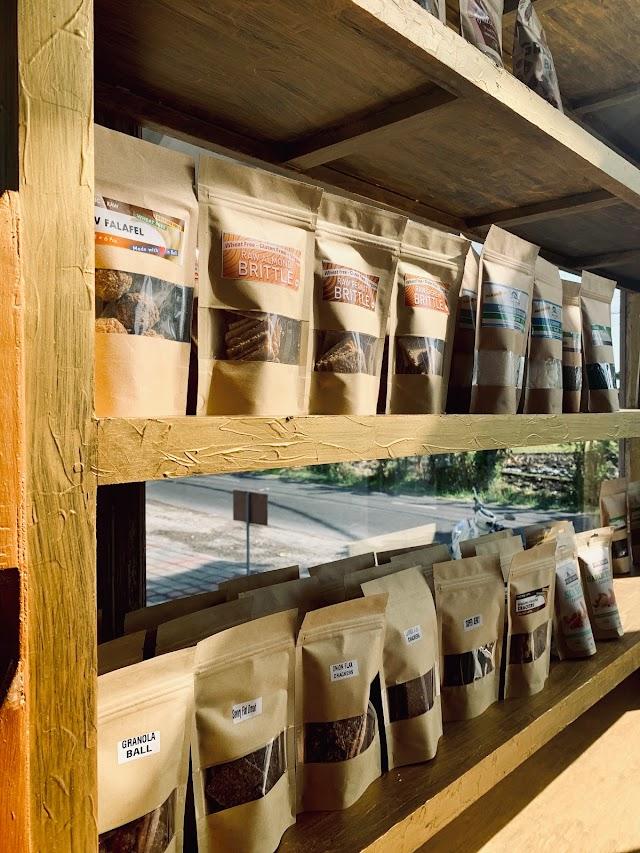 Earth Cafe & Market Canggu