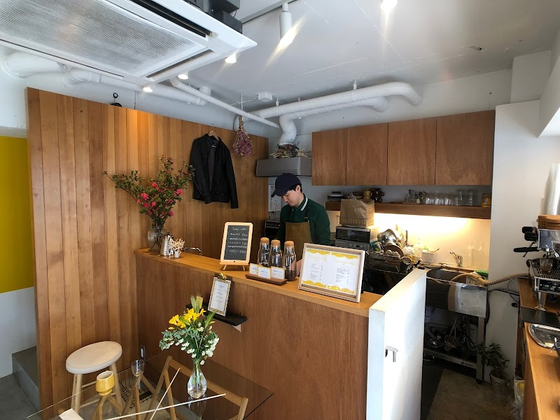 TRICHROMATIC COFFEE トリクロマティックコーヒー