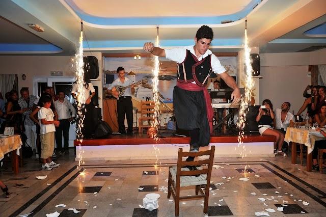 Dimitris Restaurant - Greek Nights