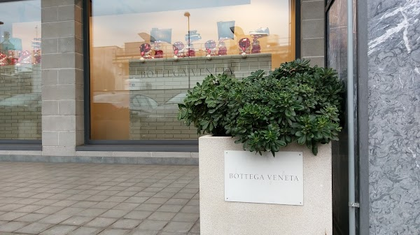 Bottega Veneta Vicenza Outlet, Viale della Scienza, 9/11 ...