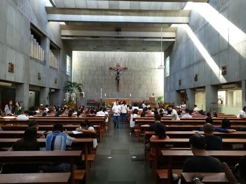 Gereja Katolik Santa Perawan Maria Ratu Daerah Khusus Ibukota Jakarta Opening Times 62 Jalan Suryo Tel 62 21 7208640