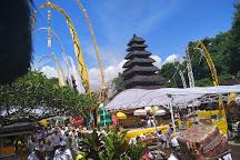 Pura Luhur Pakendungan, Tanah Lot, Indonesia