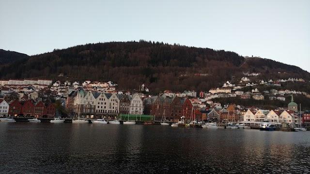 Hardangerfjordekspressen