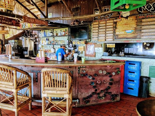 Bar Jolly Roger Dominical