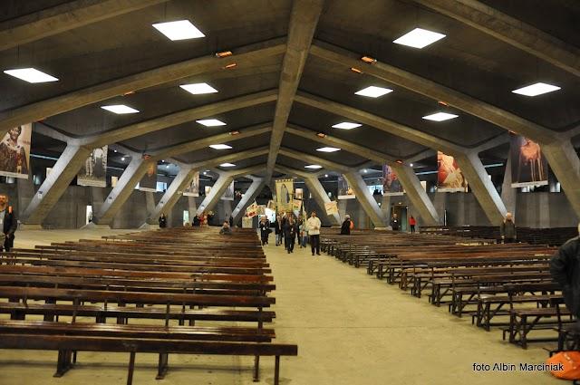 Basilique Souterraine Saint-Pi X