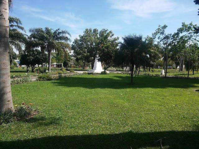 Plaza Principal de Las Garzas