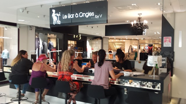 Le Bar à Ongles by V