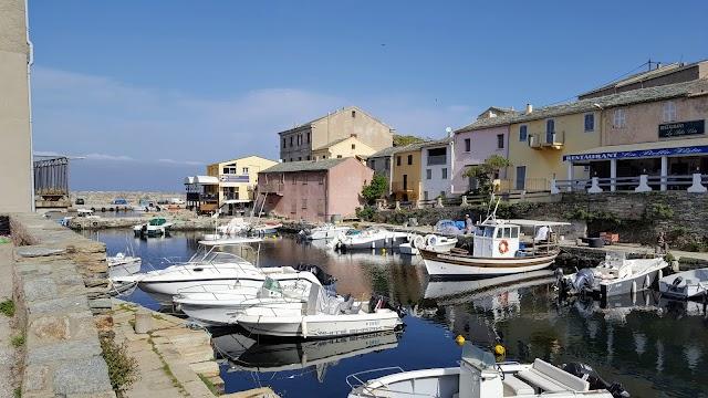 Vieux port centuri
