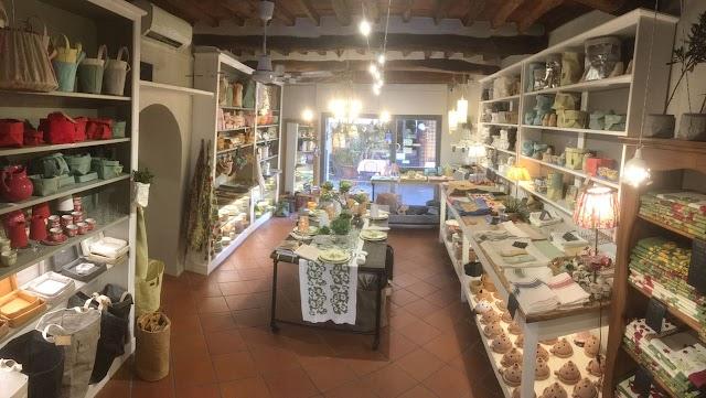 Uashmama Store Lucca
