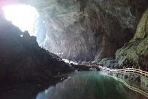 Baimo Cave, Bama County, China
