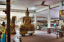 Royal Thai handicraft center, Damnoen Saduak, Thailand